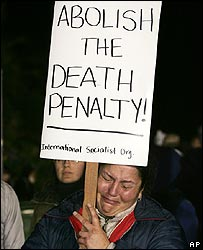 A protester before the execution of Clarence Ray Allen