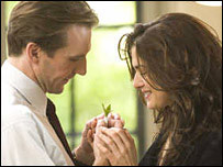 Ralph Fiennes and Rachel Weisz in The Constant Gardener