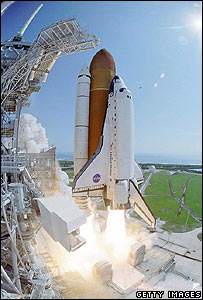 Space shuttle Discovery lifts off from Florida on 26 July 2005, Image: Getty Images