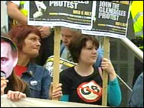 G8 Alternatives protest
