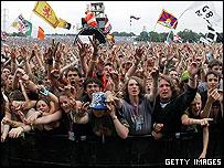 The crowd watching Bob Geldof