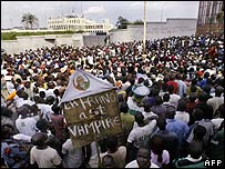 Young Patriots supporters outside the French Embassy in Abidjan
