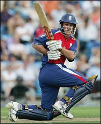 Andrew Strauss hits another four