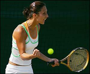 Russia's Anastasia Myskina wins a thriller against Elena Dementieva