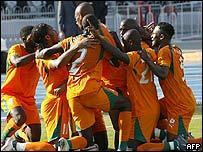 El equipo de Costa de Marfil celebrando