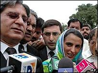 Mukhtar Mai and lawyer Aitzaz Ahsan (L)