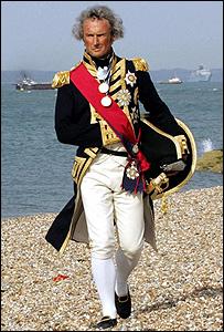 Alex Naylor, un historiador, representa al almirante Nelson durante las conmemoraciones de los 200 años de la batalla de Trafalgar