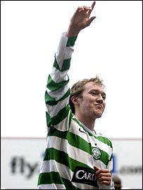 Aiden McGeady celebrates at Fir Park