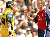 Matthew Hayden and Simon Jones