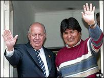 El presidente de Chile, Ricardo Lagos, con el presidente de Bolivia, Evo Morales
