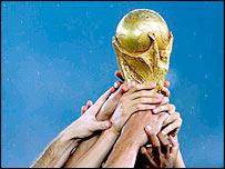 http://newsimg.bbc.co.uk/media/images/41247000/jpg/_41247645_worldcuphands203.jpg