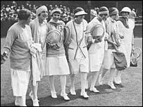 Elizabeth Ryan, Suzanne Lenglen, Didi Vlasto, Dorothea Lambert, Joan Fry, Lili de  Alvarez and eventual winner Kitty Godree in 1926