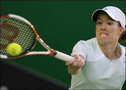 Henin-Hardenne fights back