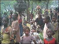 People on the trek home to Raga in south-west Sudan