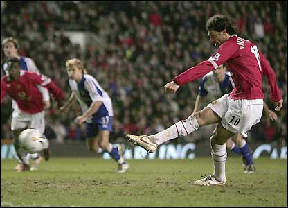 Ruud van Nistelrooy takes his penalty