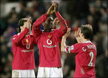 Manchester United's players celebrate