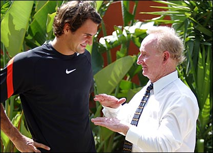 Roger Federer chats with Rod Laver