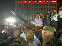 Fidel Castro visits the construction site