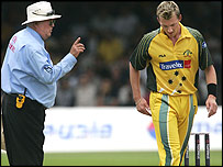 Umpire David Shepherd warns Brett Lee