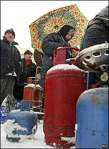 Queue for bottled gas near King David the Builder monument in Tbilisi