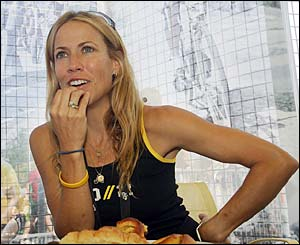 Armstrong's girlfriend singer Sheryl Crow