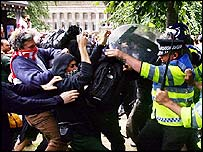Police clash with protesters in Edinburgh ahead of G8 summit
