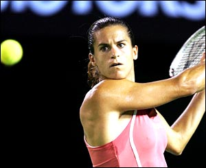 Amelie Mauresmo in action during the final