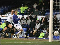 Lampard slots home Chelsea's equaliser at Everton