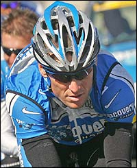 Lance Armstrong in action during a a training session ahead of stage four
