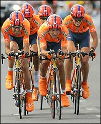 The Spanish Euskaltel-Euskadi  head for the finish