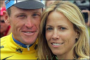 Armstrong poses with his girlfriend Sheryl Crow