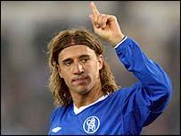 Chelsea forward Hernan Crespo