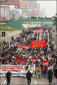 Manifestación de trabajadores en Lima