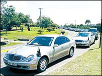 Line of ministers' cars