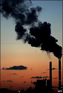 Emisión de gases desde una fábrica