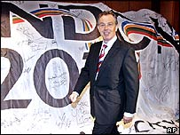 Tony Blair in Singapore pushing the Olympic bid