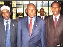 Speaker of parliament Sharif Hassan Sheikh Adan (l), President Abdullahi Yusuf (c) and Prime Minister Ali Mohammed Ghedi (r)