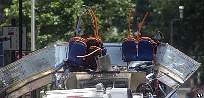 Autobús donde ocurrió uno de los atentados.