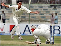 Mohammad Asif bowls Sachin Tendulkar