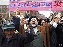 مسلمون في الدنمارك يحتجون على الرسوم الساخرة بحق الرسول الكريم محمد ص