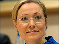 بينيتا فيريرو-والدنر، مفوضة العلاقات الخارجية في الاتحاد الأوروبي