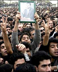 Crowds cheer a speech by Mahmoud Ahmadinejad in Bushehr, southern Iran
