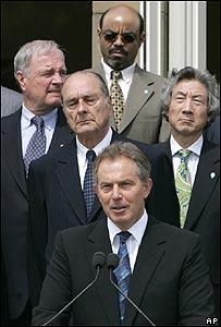 Tony Blair anuncia acuerdos en Gleneagles con algunos líderes del G8 a su espalda