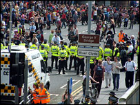 Protesters and police on George V bridge. Picture by Yvonne Cairns.