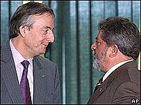 El presidente de Argentina, Néstor Kirchner, y su homólogo brasileño, Luiz Inácio Lula  da Silva