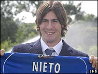 Federico Nieto gets used to his Rangers shirt