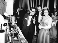 Photo of demonstration of fibre optic video communication to HRH Queen Elizabeth II  (Estate of Murray Ramsay)