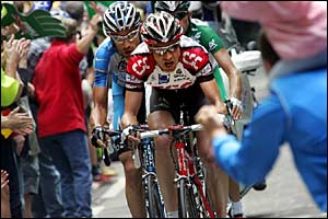 Germany's Jens Voigt leads George Hincapie and Andrey Kashechkin