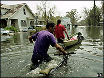 Residents brave the floodwaters in the Lower Ninth Ward, New Orleans. Image: AP