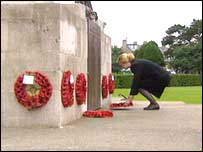 Mary Jean Eisenhower laid a wreath at the cenotaph